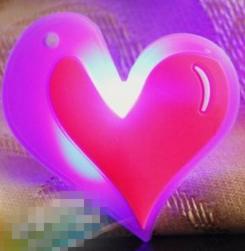 Broche Hart Pink-Rood met knipperlicht